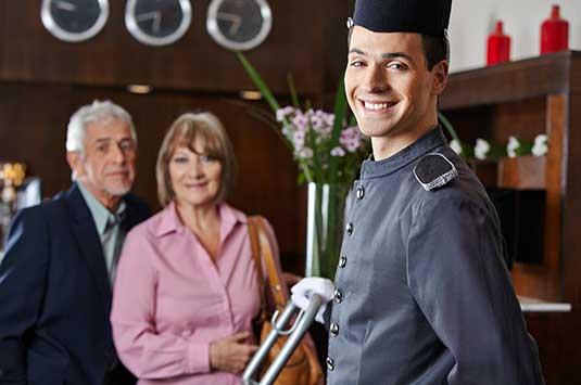 курсове за портиер и пиколо в хотел