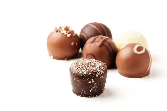 курсове за сладкари - работа с шоколад, шоколадови изделия